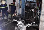 Tự đốt nhà giữa đêm, 4 cha con chết cháy