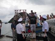 Gần 200 du khách kẹt bão ở đảo Lý Sơn