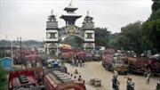 Nepal giới hạn xe lưu thông do lo thiếu nhiên liệu