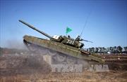 Phe ly khai Ukraine bắt đầu rút xe tăng