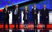 Bà Hillary là tâm điểm cuộc tranh luận của đảng Dân chủ
