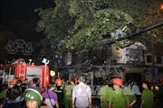 Dập tắt vụ hỏa hoạn ở phố Hàng Mã, Hà Nội