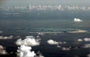 Tàu khu trục Mỹ tiến gần các đảo trái phép Trung Quốc