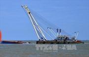 Trục vớt tàu Hoàng Phúc 18 trên sông Soài Rạp