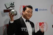 Điệu nhảy cưỡi ngựa trong Gangnam Style sẽ được dựng tượng