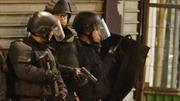 Đấu súng dữ dội ở Paris, nữ khủng bố nổ bom liều chết