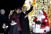 Gia đình Obama thắp sáng cây thông Noel quốc gia