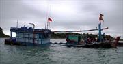 Quảng Ninh cứu hộ 12 thuyền viên gặp nạn