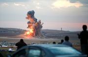 """Tại sao Mỹ """"miễn cưỡng"""" đánh bom các giếng dầu của IS?"""