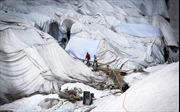 Thụy Sĩ đắp chăn cho băng