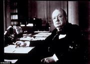 """Chân dung """"chúa chổm"""" Winston Churchill"""