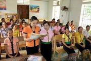 Đẩy mạnh công tác xóa mù chữ cho phụ nữ
