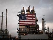 Giá dầu giảm mạnh, chứng khoán nhuộm sắc đỏ