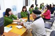 Hơn 1.000 người đăng ký thẻ căn cước tại Hà Nội