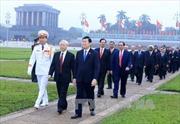 Viếng Chủ tịch Hồ Chí Minh nhân 70 năm ngày Tổng tuyển cử đầu tiên