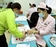 Vắc xin tiêm chủng mở rộng được bảo quản nghiêm ngặt