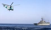 Máy bay do thám Iran bay trên đầu tàu sân bay Mỹ