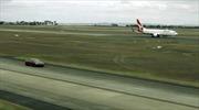 Cuộc đua ngoạn mục giữa xe điện Tesla và máy bay Boeing