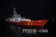 Đưa thi thể thuyền viên bị tai nạn trên tàu vào bờ