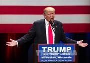 Tỷ phú Trump động chạm vấn đề giới tính bà Clinton