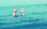 Rủ nhau tắm hồ 3 học sinh chết đuối