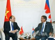 Thủ tướng tiếp xúc song phương bên lề Hội nghị ASEAN-Nga