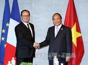 Thủ tướng tiếp xúc song phương bên lề Hội nghị G7