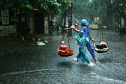 Thủ đô Hà Nội đêm và sáng có mưa rào