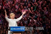 Bà Hillary thắng lớn tại California