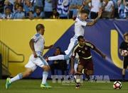 """""""Địa chấn"""" tại Copa America: Venezuela tiễn Uruguay về nước"""