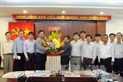Đồng chí Đinh La Thăng thăm cơ quan TTXVN khu vực phía Nam