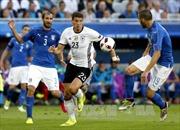 """Đức mất """"trọng pháo"""" Mario Gomez cho trận bán kết"""