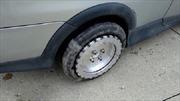 Lốp xe đặc biệt giúp ô tô đi ngang như cua