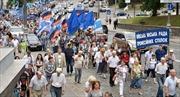 Hàng nghìn người Ukraine biểu tình, chặn trung tâm Kiev