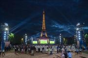 Paris trong một giấc mơ hình tròn