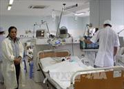 Khẩn trương cứu chữa 3 người bị ngộ độc khí