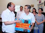 Thủ tướng thăm các gia đình chính sách tại Cần Thơ