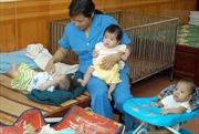 Nguy cơ trẻ sơ sinh tử vong do chậm được bú sữa mẹ sau