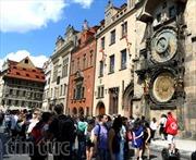 """Séc tăng cường kiểm soát khách nước ngoài """"lưu trú trong dân"""""""