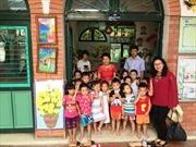 Tham tán Thái Lan trao quà từ thiện tại Làng trẻ SOS Hà Nội