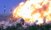 """""""Pháo đài bay"""" B-52 tăng tầm hủy diệt với siêu tên lửa JASSM"""