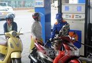 Giá xăng tăng 700 đồng/lít