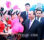 Thủ tướng Nguyễn Xuân Phúc bắt đầu chuyến thăm Trung Quốc