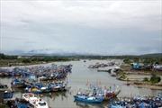 Hà Tĩnh khẩn trương cứu hộ tàu cá đắm trên đường tránh bão