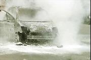 Cháy ô tô ở sân bay Nội Bài, một người chết