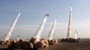"""Iran sẵn sàng trút """"rừng tên lửa"""" vào kẻ thù"""