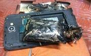 Điện thoại Samsung bốc khói gây náo loạn máy bay