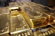 Vàng vững giá, dầu khởi sắc