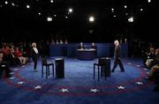Bà Clinton chiến thắng trong cuộc tranh luận thứ 2 với ông Trump