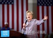 """Ông Trump bị nhận xét """"thậm tệ"""", bà Clinton được ca ngợi hết lời"""